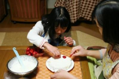 娘とケーキ作り