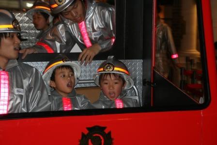 キッザニア 消防士体験3